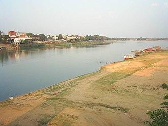 Mun River - The Mun River in the dry season, Ubon Ratchathani