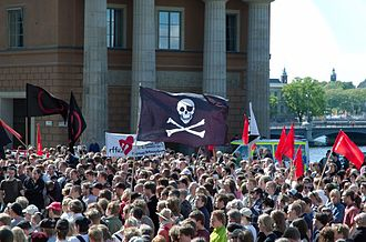 Pirate Party (Sweden) - Crowd at the 3 June demonstration.