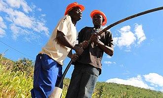 "Self-supply of water and sanitation - Manual drilling using the ""Mzuzu"" method"