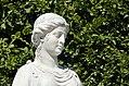 N19 Priesterin mit Opferschale, Schönbrunn (01).jpg