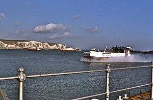 N500 Naviplane - Image: N500 hovercraft arriving at Dover