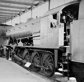 """WD Austerity 2-10-0 73755 Longmoor - """"Longmoor"""" alongside the original platform at station Utrecht Maliebaan (1965) (Maliebaan Station was originally the station serving Utrecht. It is now a railway museum, Utrecht station having been relocated to the city centre.)"""