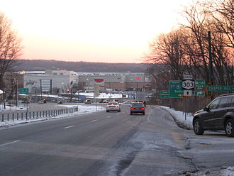 New York State Route 303 - Approaching the New York State Thruway and Palisades Center on NY 303 southbound