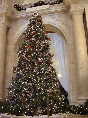 Christmas tree at Astor Hall, adjacent to the main entrance to the NYPL's main branch NYPL Christmas.JPG