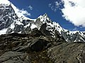 Nevado Taulliraju Peak near Punta Union, Santa Cruz Track, Cordillera Blanca, Peru - panoramio.jpg