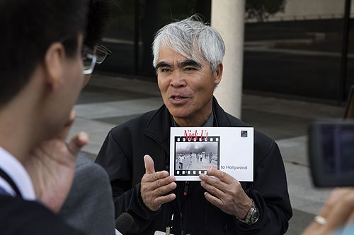 Nick Ut speaks with the press.jpg
