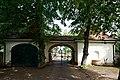 Nieder-Roden Alter Friedhof Portal.jpg