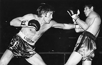 Carlos Monzón - Monzón (right) fighting Nino Benvenuti in 1970