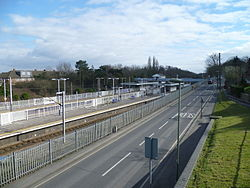 Oakleigh Park station looking south 20 March 2016.JPG