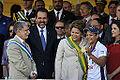 Observadas pelo ministro Celso Amorim, presidenta Dilma e Sarah Menezes posam para foto (7950150110).jpg