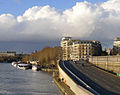 P1150805 Paris IV-XII voie Georges-Pompidou franchissant écluse de l'Arsenal rwk.jpg