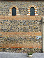 P1290025 Savennières eglise St-Pierre-St-Romain mur ecailles poisson rwk2.jpg