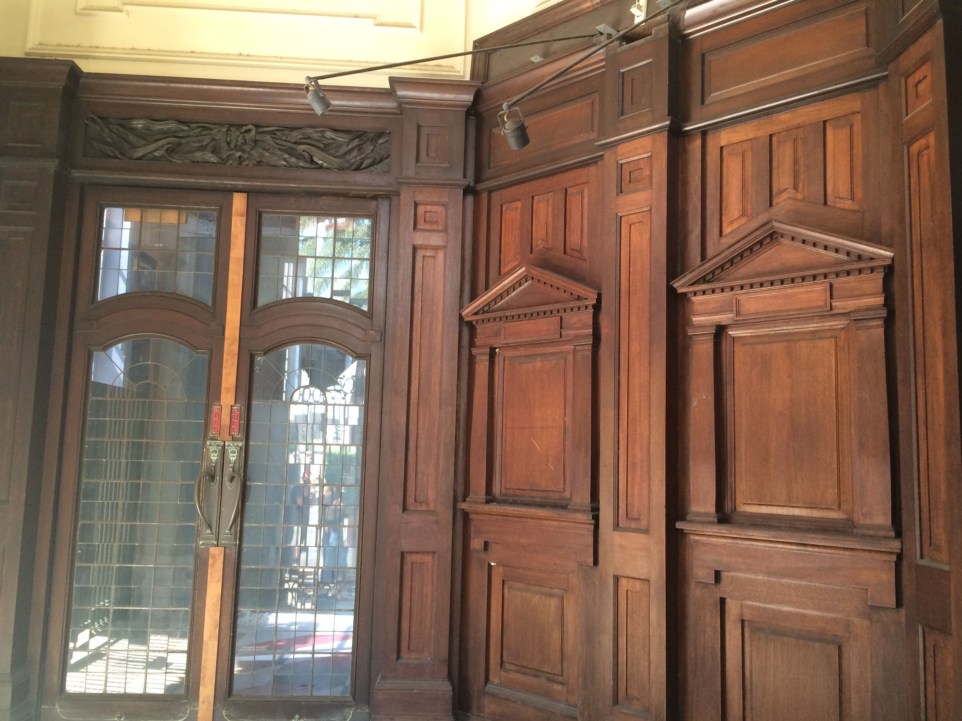 Filepanelling And Timber And Glass Doors Entrance Vestibule
