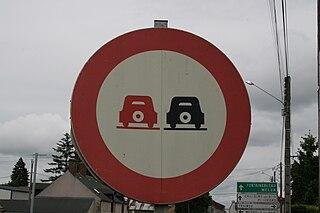 file panneau d 39 interdiction de d passer 1967 france jpg wikimedia commons. Black Bedroom Furniture Sets. Home Design Ideas