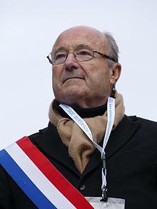 Jacques Bompard à la Marche pour la vie 2015.