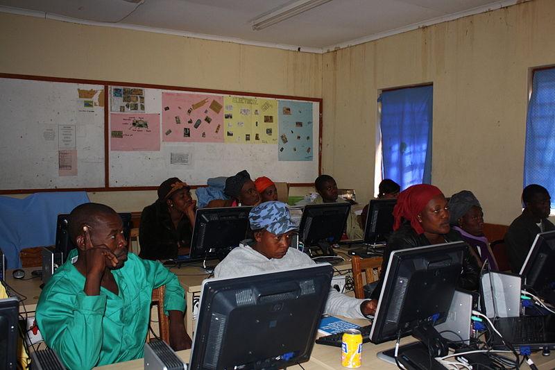 File:Participants Wikipedia Training Epukiro Post 3 JSS, June 2013.JPG