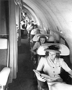 Boeing 307 Stratoliner - Passengers aboard a Pan Am Boeing 307