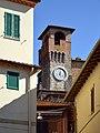 Passignano - torre orologio 2.jpg