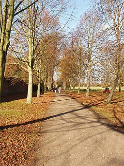 Path by the stables, Osterley House - geograph.org.uk - 620902