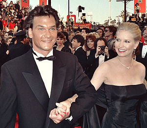 Patrick Swayze -  Swayze and his wife, Lisa Niemi, arrive at the 1989 Academy Awards ceremony