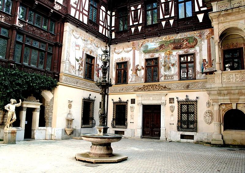 http://upload.wikimedia.org/wikipedia/commons/thumb/3/33/Peles_Castle_courtyard.jpg/800px-Peles_Castle_courtyard.jpg