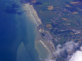 Penly Nuclear Power Plant - Image: Penly nuclear power plant and villages around aerial view