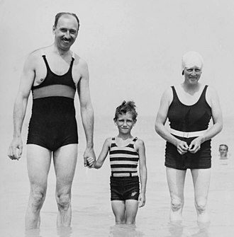 Percy Fender - Fender on holiday with family in 1933 in Kent
