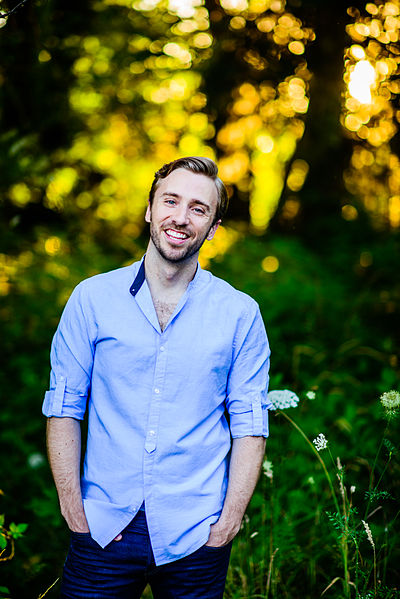 Picture of a band or musician: Peter Hollens
