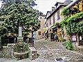 Petite fontaine, au bas de la rue du château (2).jpg