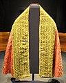 Pianeta con mantello di seta e lampasso importata da macao, e risvolti in seta e filo metallico italiani, 1590-1610 ca. 01.jpg