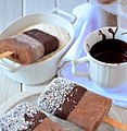 Picolé de coco, chocolate e iogurte com cobertura.jpg