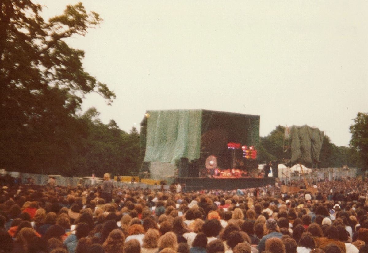 Concerts at knebworth house wikipedia for House music 1980