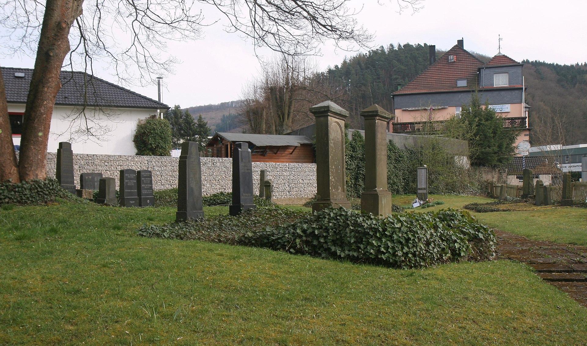 Plettenberg-JuedischerFriedhof1-Bubo.JPG