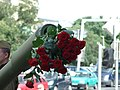 Praha, Nové Město, růže na sovětském tanku.jpg