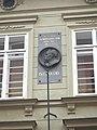 Praha, dům U Bílého anděla, deska.JPG