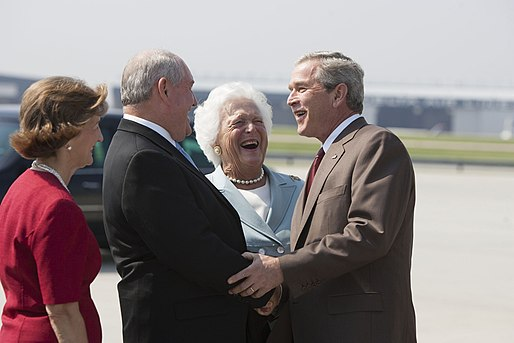 President George W. Bush and Barbara Bush are greeted by Georgia Governor Sonny Perdue