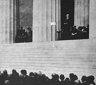NAA (defunct) - The Lincoln Memorial dedication ceremonies on May 30, 1922 were the first to be carried by two radio stations simultaneously—NAA and NOF in Anacostia, D.C.