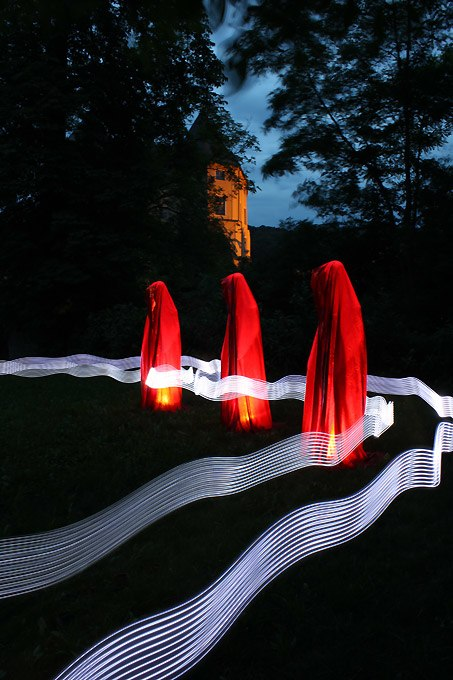 Public contemporary-light-art-sculpture-manfred-kielnhofer-illumination