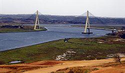 Ponte Internacional do Guadiana. Do lado esquerdo Portugal, do lado direito Espanha