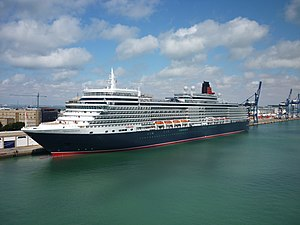 MS Queen Elizabeth - MS Queen Elizabeth in Cádiz, 2010
