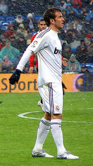 Rafael van der Vaart - Van der Vaart in action for Real Madrid