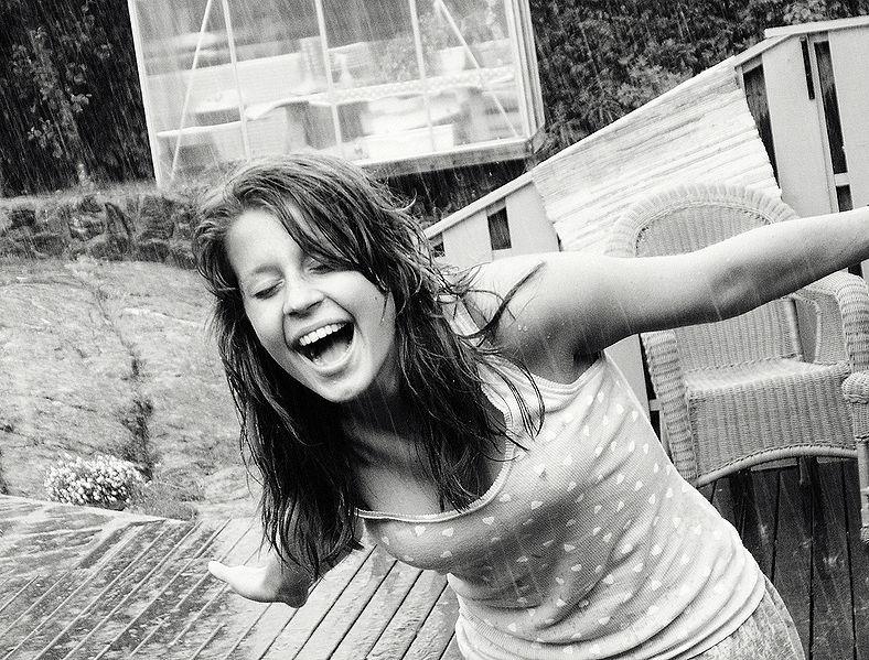 File:Rain of Happiness 2.jpg