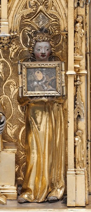 Reliquary Shrine (de Touyl) - Detail of the right-hand angel in the central panel, with biblical figures in niches, horizontally along the right border