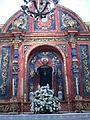 Retablo con talla de Santo Domingo de Samos.JPG