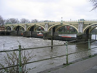 Thames Conservancy - Richmond Lock and Footbridge
