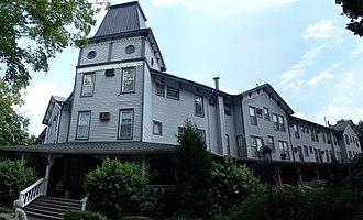 Riverside Inn (Cambridge Springs, Pennsylvania) - Image: Riverside Inn, Cambridge Springs, PA