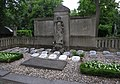 Robert Grosche - Gemeinschaftsgrab Kölner Pfarrer -grave.jpg