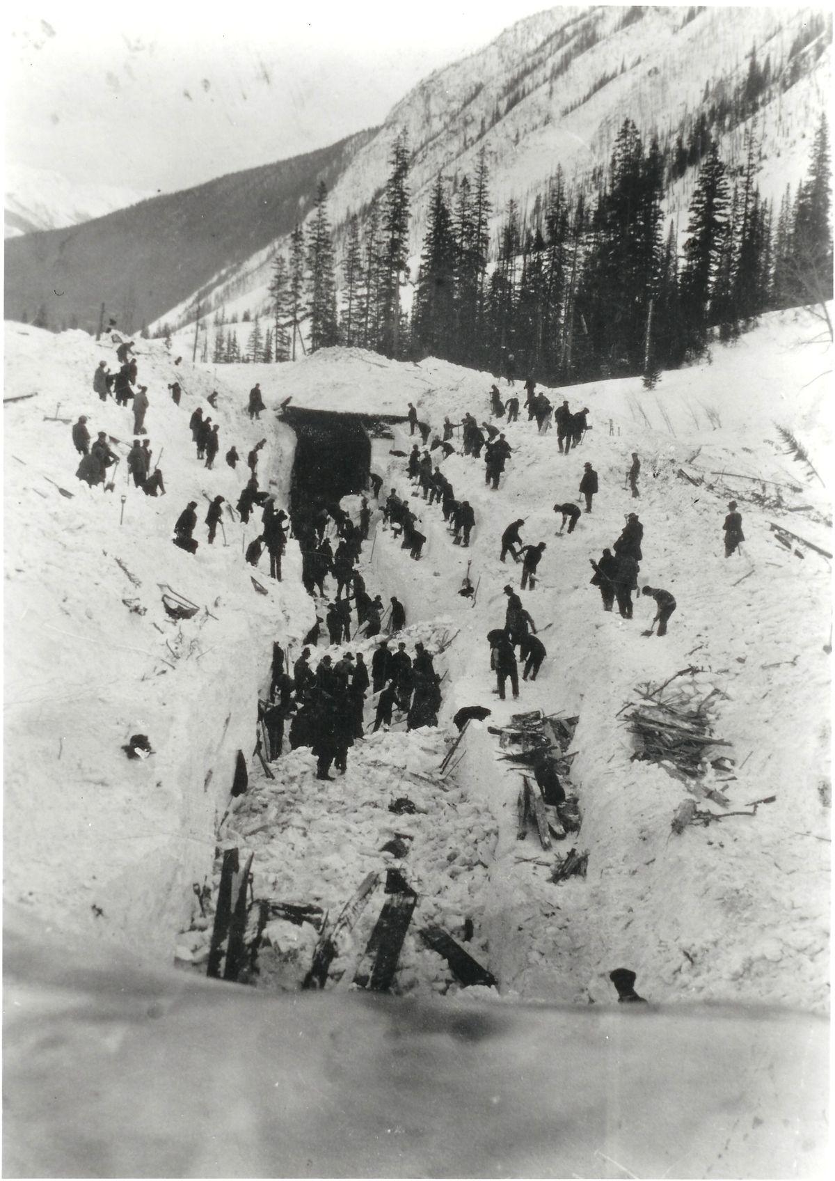 1910 rogers pass avalanche wikipedia