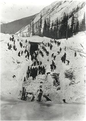 1910 Rogers Pass avalanche - Workers recover bodies and clear the tracks on March 5