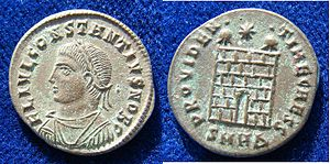Follis - Caesar Constantius II on a follis AE3 of Heraclea of the year 325.